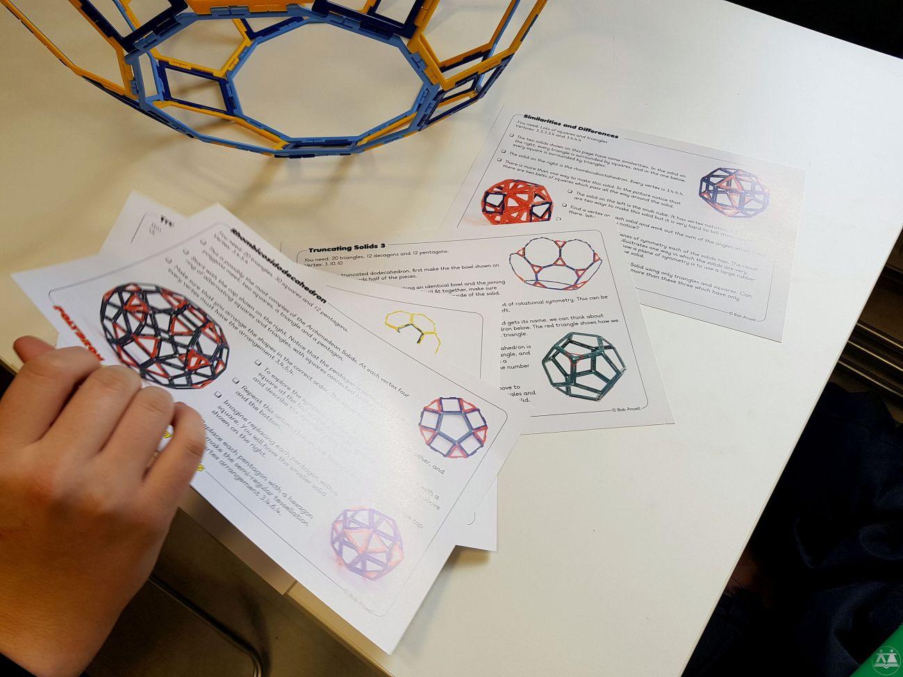 Hisa-poliedrov-drzavni-zbor-hisa-iluzij-013