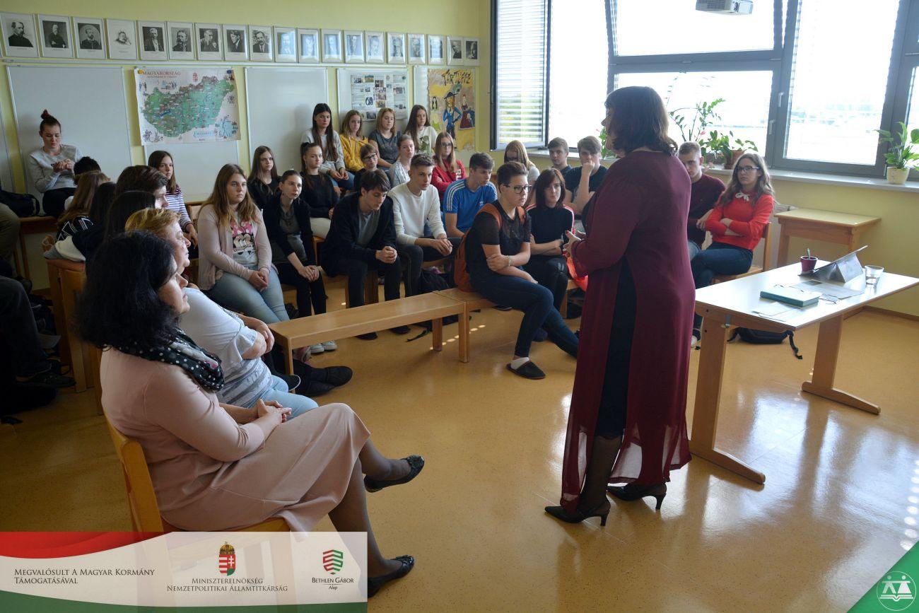 Literarna-ura-ob-stoletnici-smrti-Endreja-Adyja-001