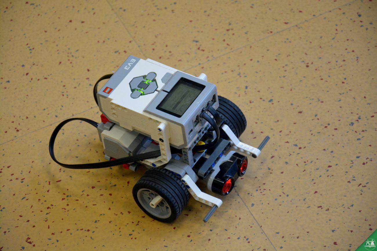 Ples-robotov-004