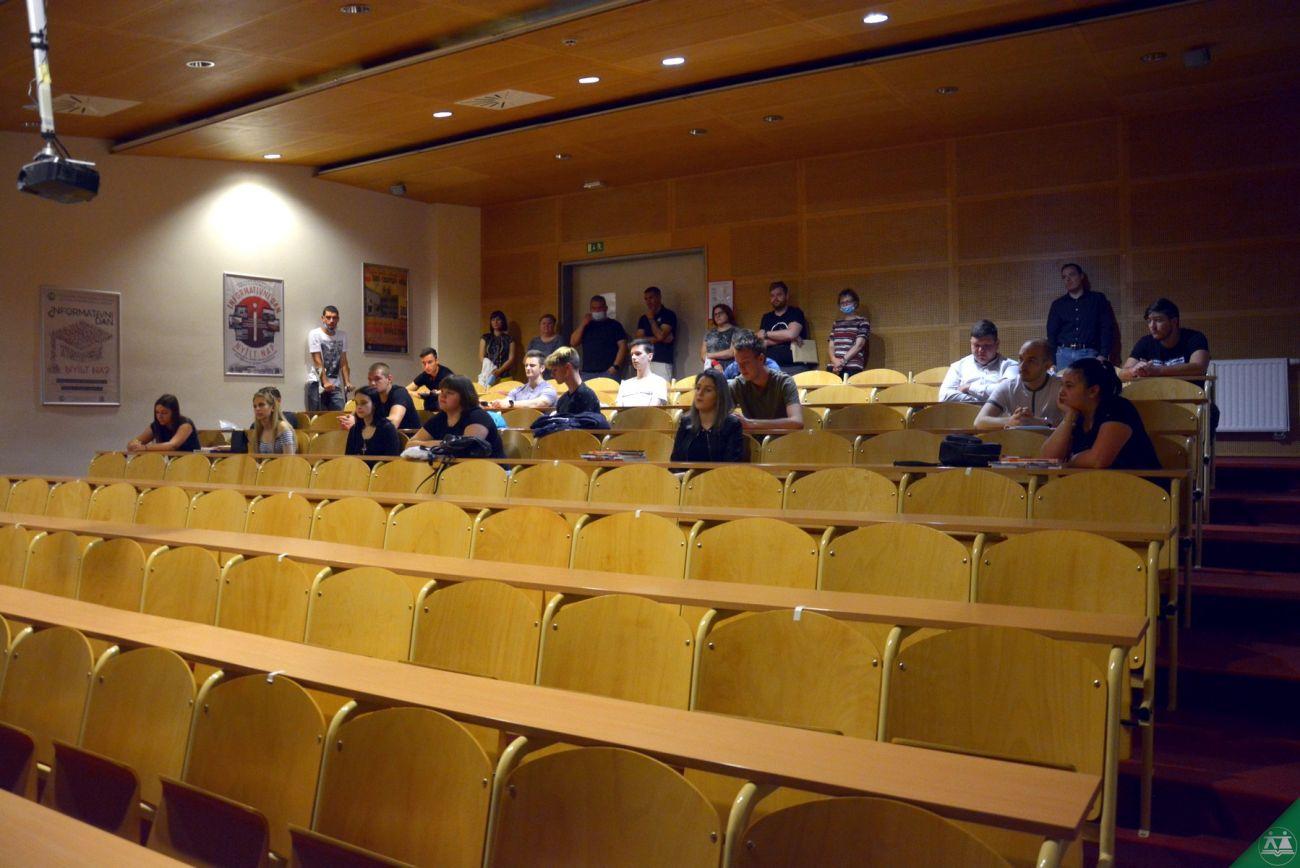 Slovesna-podelitev-spriceval-zakljucnega-izpita-2020-002